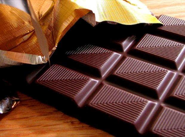 Τα μυστικά υγείας που κρύβει η μαύρη σοκολάτα