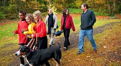 Η βόλτα με το σκύλο μας χαρίζει ποιότητα ζωής