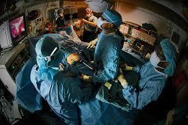Ερρικος Ντυνάν: Η πρώτη επέμβαση αποκατάστασης μαστού από ρομπότ
