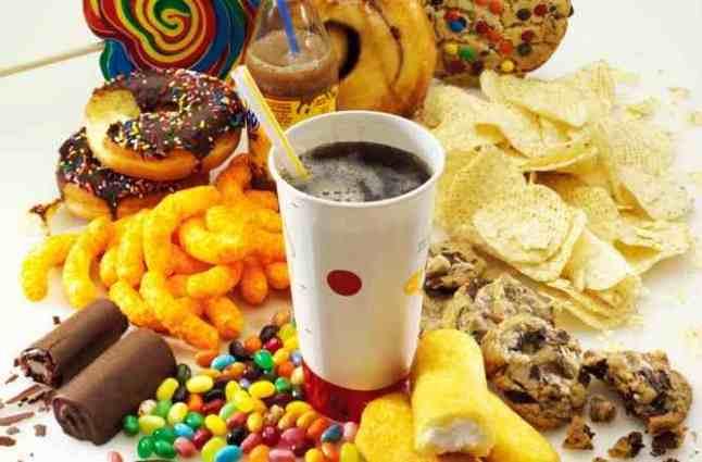Από πρόωρο τοκετό κινδυνεύουν οι γυναίκες που κάνουν ανθυγιεινή διατροφή