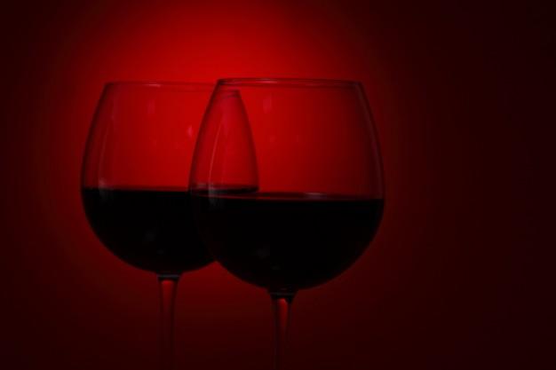 Ακόμη κι ένα ποτήρι κρασί επηρεάζει την ικανότητα οδήγησης