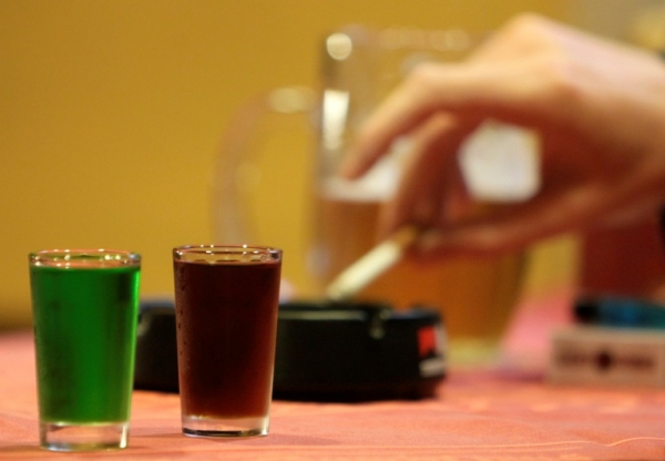 Επικίνδυνοι είναι οι οδηγοί άνω των 55 ακόμα και με ένα ποτηράκι αλκοόλ