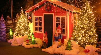 Βόλτα στο Χριστουγεννιάτικο χωριό