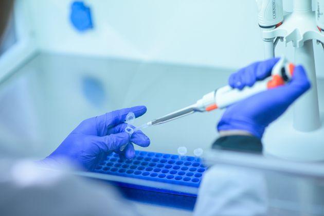 Θεραπευτικές προσεγγίσεις για τη νόσο COVID-19
