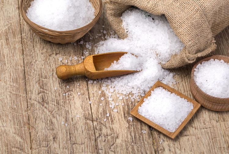 Το αλάτι είναι επικίνδυνο; Αυτό το άρθρο θα σε πείσει για το αντίθετο (Βίντεο)