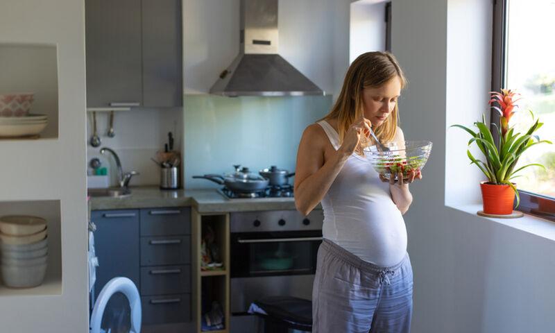 Αντιμετωπίστε την πρωινή ναυτία στην εγκυμοσύνη με 4 νόστιμες λύσεις