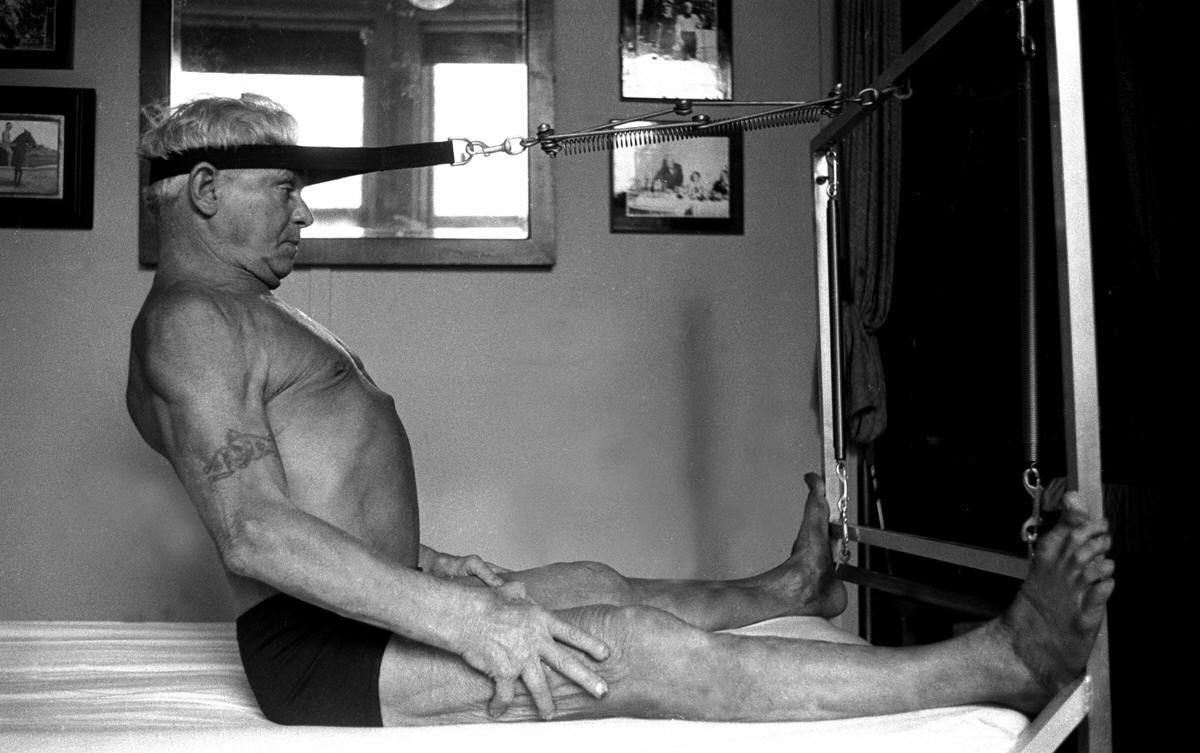 Γιόζεφ Πιλάτες: Έπασχε από ραχίτιδα και άσθμα αλλά δημιούργησε την πασίγνωστη μέθοδο γυμναστικής