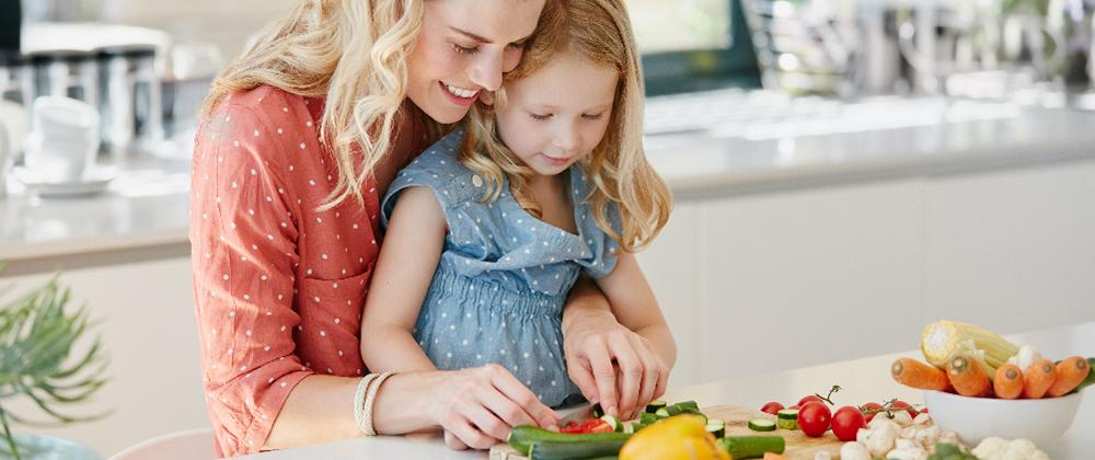 5 τρόποι για να ενθαρρύνετε τα υπέρβαρα παιδιά να κάνουν αλλαγές στη διατροφή τους