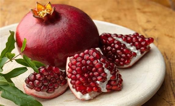Ρόδι: Όλα τα οφέλη του και πώς να το εντάξετε στη διατροφή σας