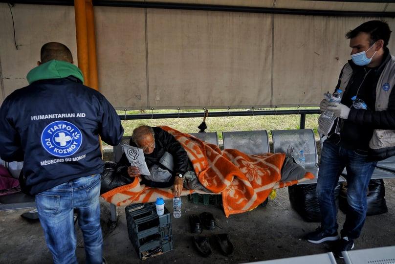 Γιατροί του Κόσμου: Στείλε με μήνυμα βοήθεια στους άστεγους
