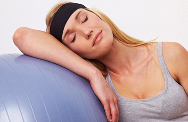 Πώς μπορείτε να επιταχύνεται την καύση λίπους στον ύπνο; (βίντεο)