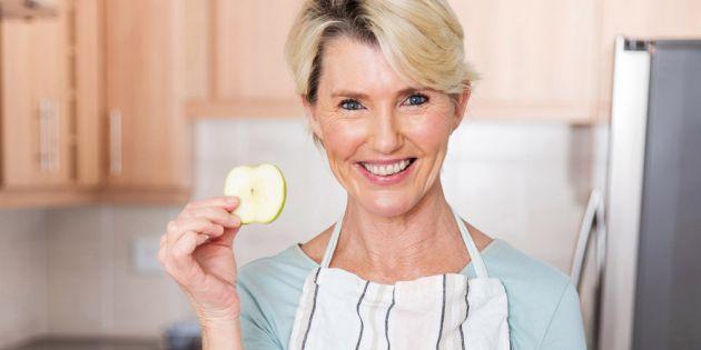 Πώς αλλάζει η διατροφή μετά τα 40 και γιατί;