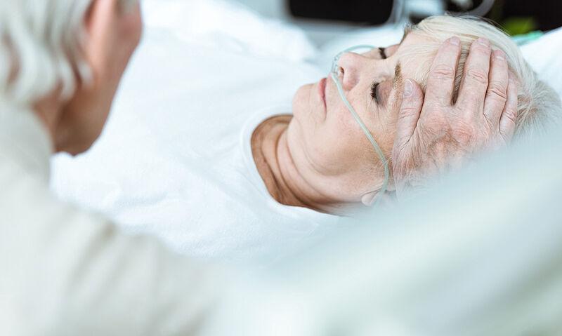 Οργανικό ψυχοσύνδρομο και κώμα: αυξημένη επίπτωση σε ασθενείς με COVID-19 που νοσηλεύονται σε ΜΕΘ