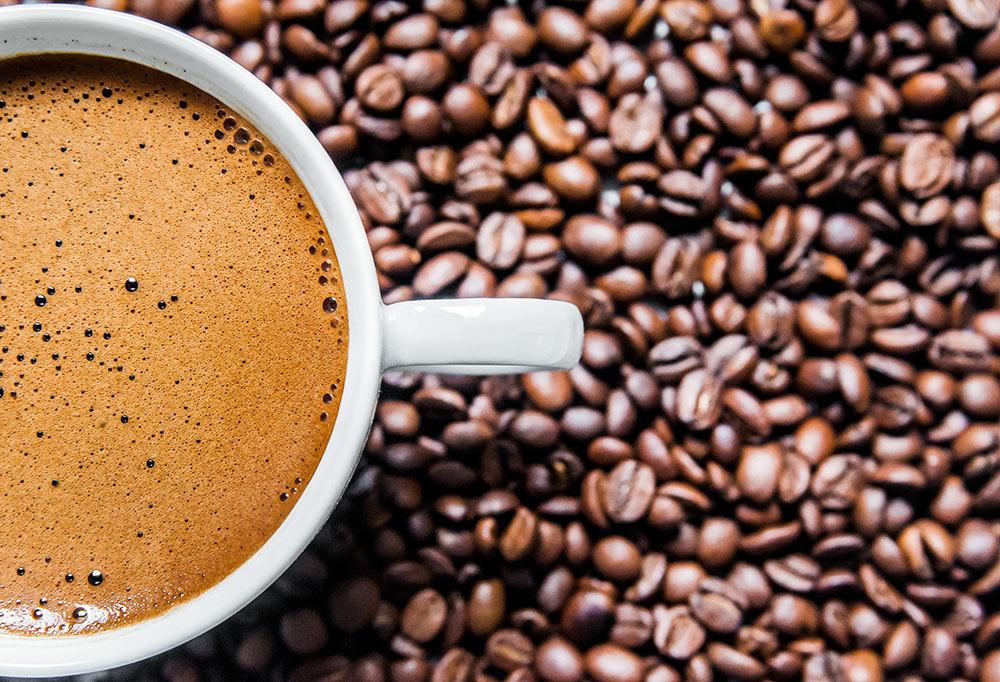 Καφές: Mειώστε τις αχρείαστες θερμίδες