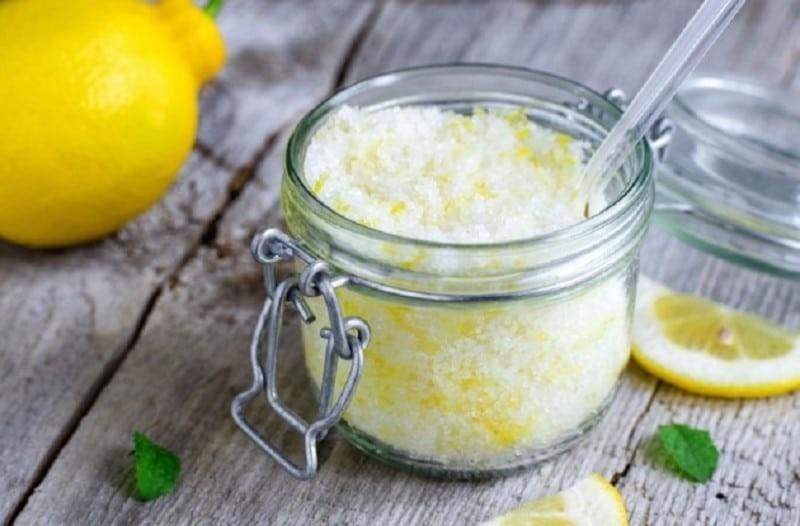 Ανακουφιστείτε από τον πονοκέφαλο άμεσα με αλάτι και λεμόνι