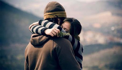 Παγκόσμια ημέρα αγκαλιάς: Aγκαλιάστε τα αγαπημένα σας πρόσωπα – Τα οφέλη