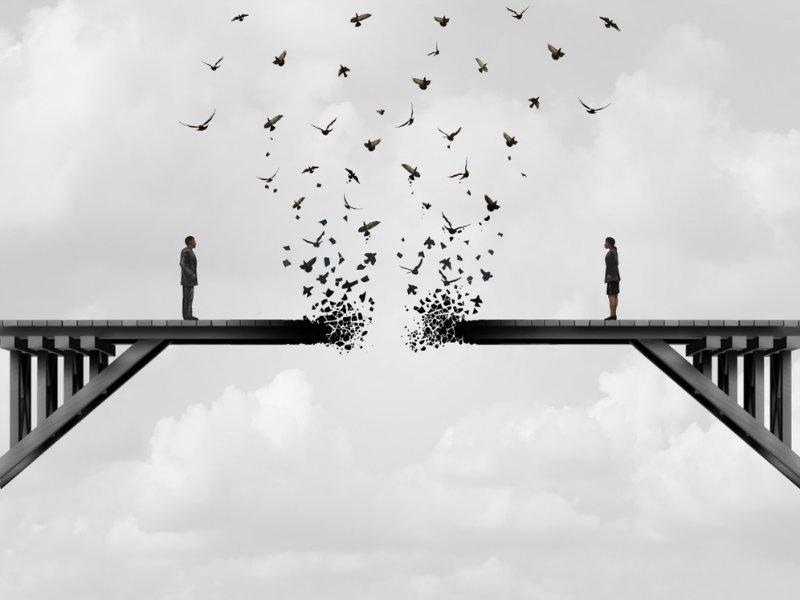 Χωρισμός μετά από μακροχρόνιες σχέσεις: Tα λάθη που δεν πρέπει να κάνετε
