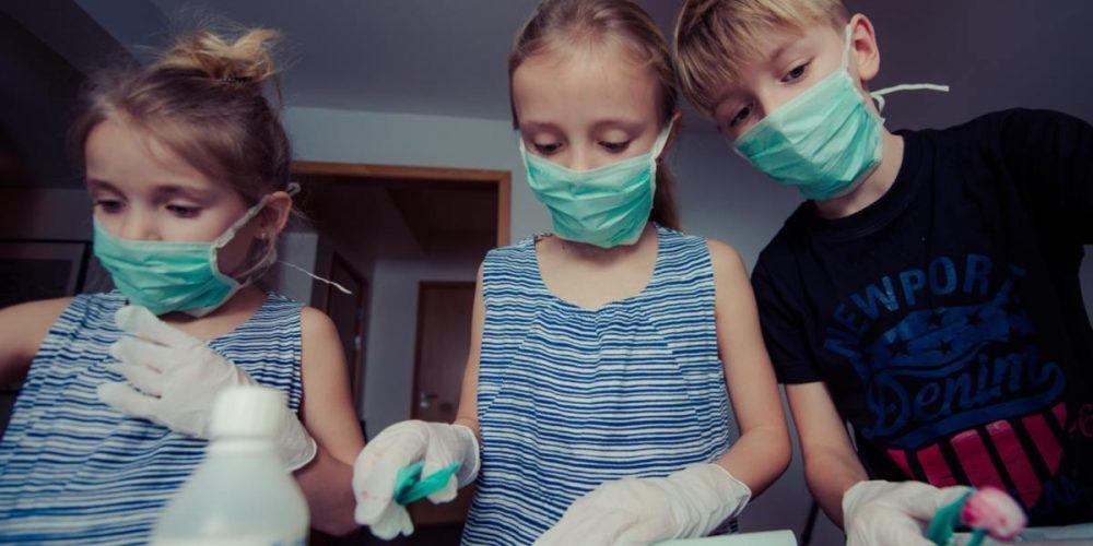 Διαφορές στις αντισωματικές ανταποκρίσεις ερμηνεύουν την κλινική πορεία της σοβαρής COVΙD-19 σε παιδιά και ενήλικες