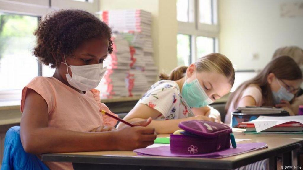 Λοίμωξη COVID-19 στα δημοτικά σχολεία του Ηνωμένου Βασιλείου την περίοδο Ιούνιος-Δεκέμβριος 2020
