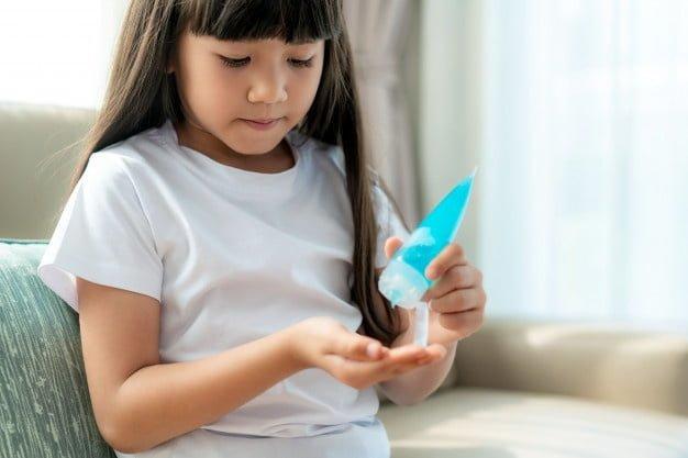 Αντισηπτικά και η σωστή χρήση τους από τα παιδιά