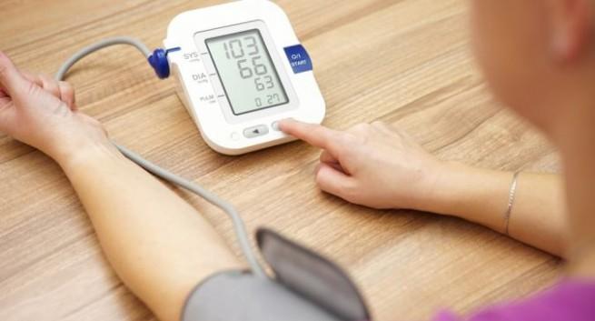 Xαμηλή πίεση: Πότε να ανησυχήσετε – Ποιά είναι τα ύποπτα συμπτώματα
