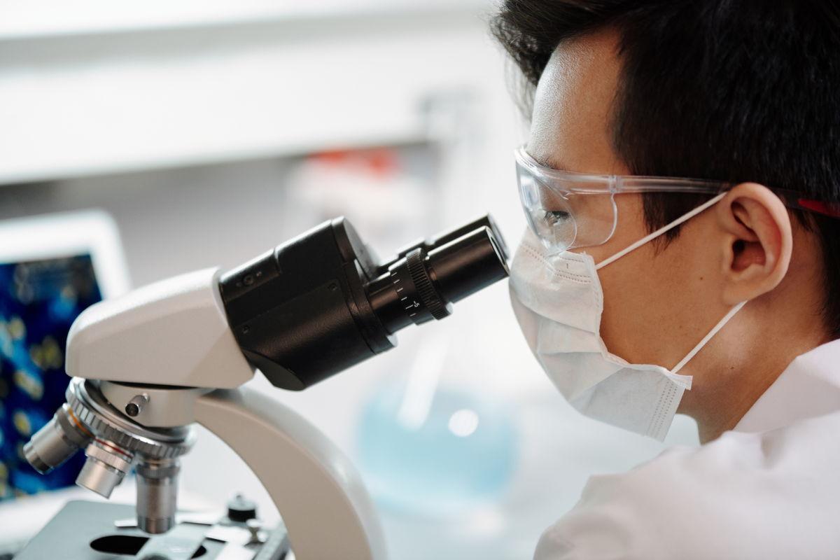 COVID-19: Μειωμένη η αποτελεσματικότητα των αντισωμάτων ενάντια στα νεότερα στελέχη