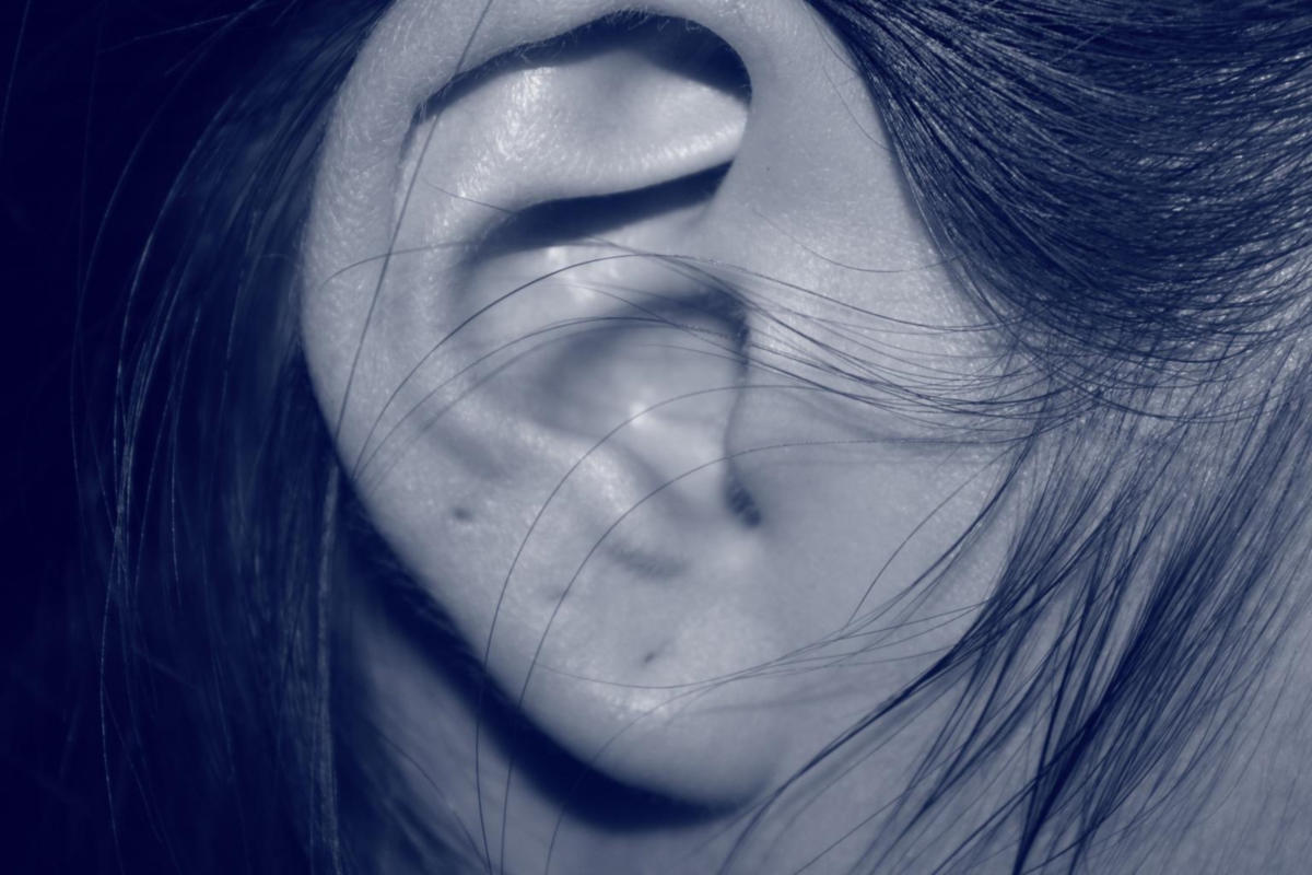 COVID-19: Μπορεί να προκαλέσει διαταραχές της ακοής;