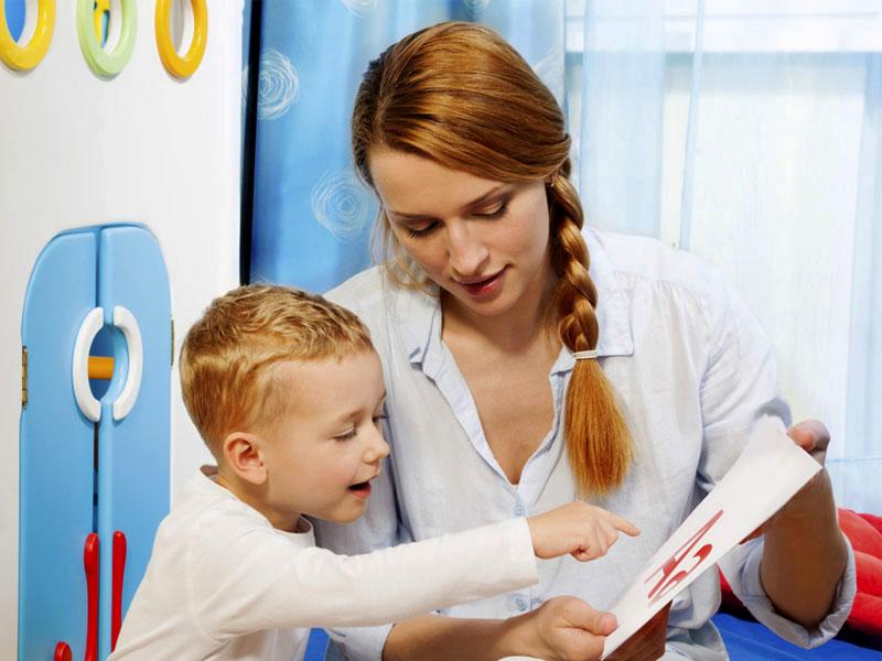 Γιατί ορισμένα παιδιά αντιμετωπίζουν προβλήματα ομιλίας;