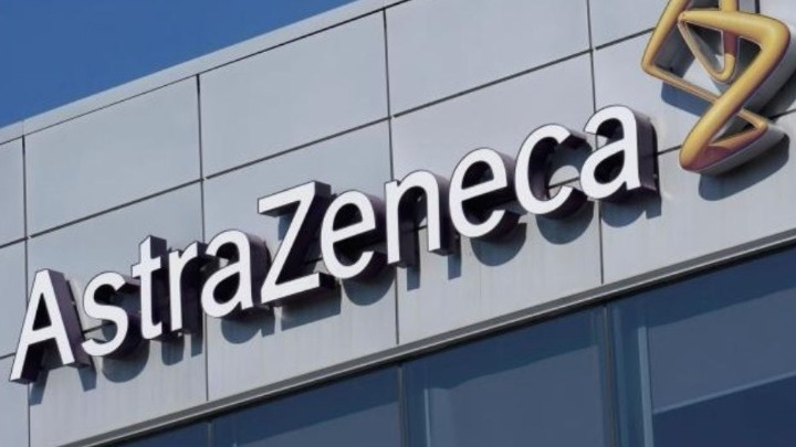 AstraZeneca: Διαψεύδει ότι παραβίασε το συμβόλαιό της για την παράδοση εμβολίων στην ΕΕ