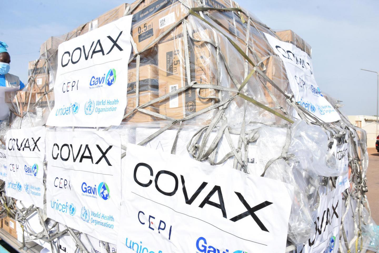 Covax: Ο εφιάλτης του κορωνοϊού στην Ινδία αφήνει χωρίς εμβόλια τις φτωχότερες χώρες