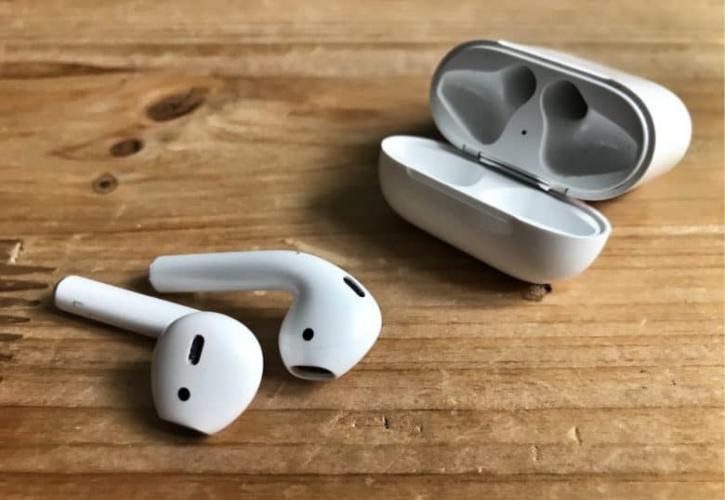 Δείτε πως να καθαρίσετε σωστά τα ακουστικά σας