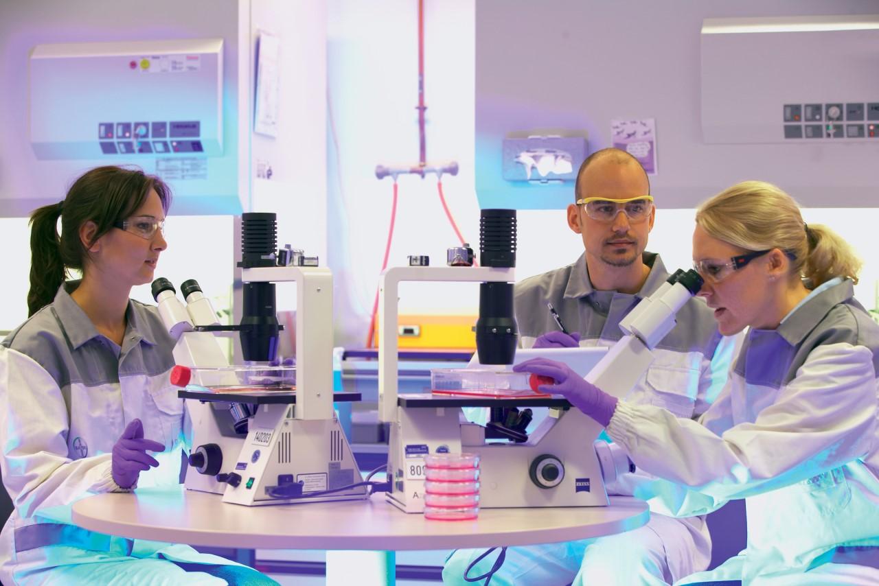 Σημαντικές εξελίξεις στις κυτταρικές και γονιδιακές θεραπείες από τις Ask Bio και Blue Rock