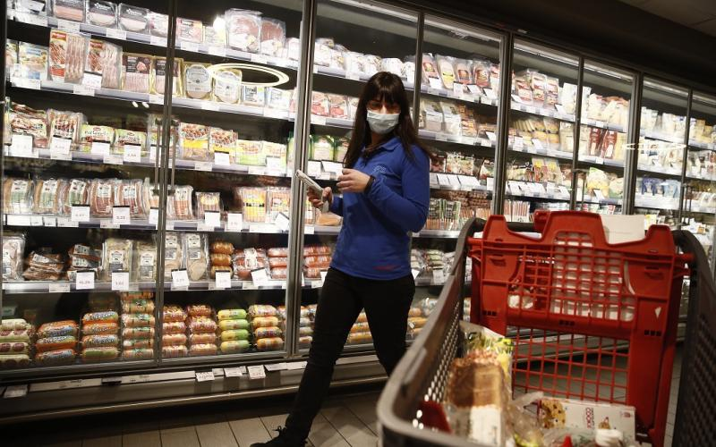 Self test σε σούπερ μάρκετ και παντοπωλεία – Το επιχειρησιακό σχέδιο για κατ΄οίκον εμβολιασμό