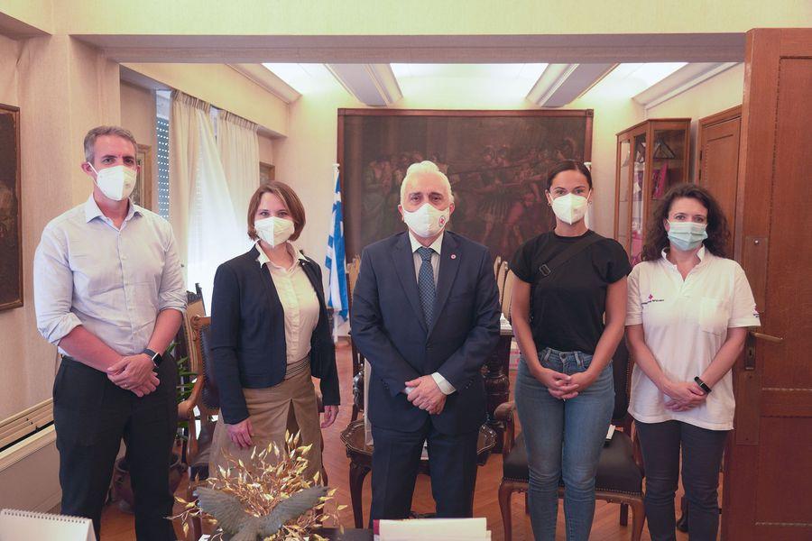 Επίσκεψη κλιμακίων του Γερμανικού και του Αυστριακού Ερυθρού Σταυρού στη Μυτιλήνη