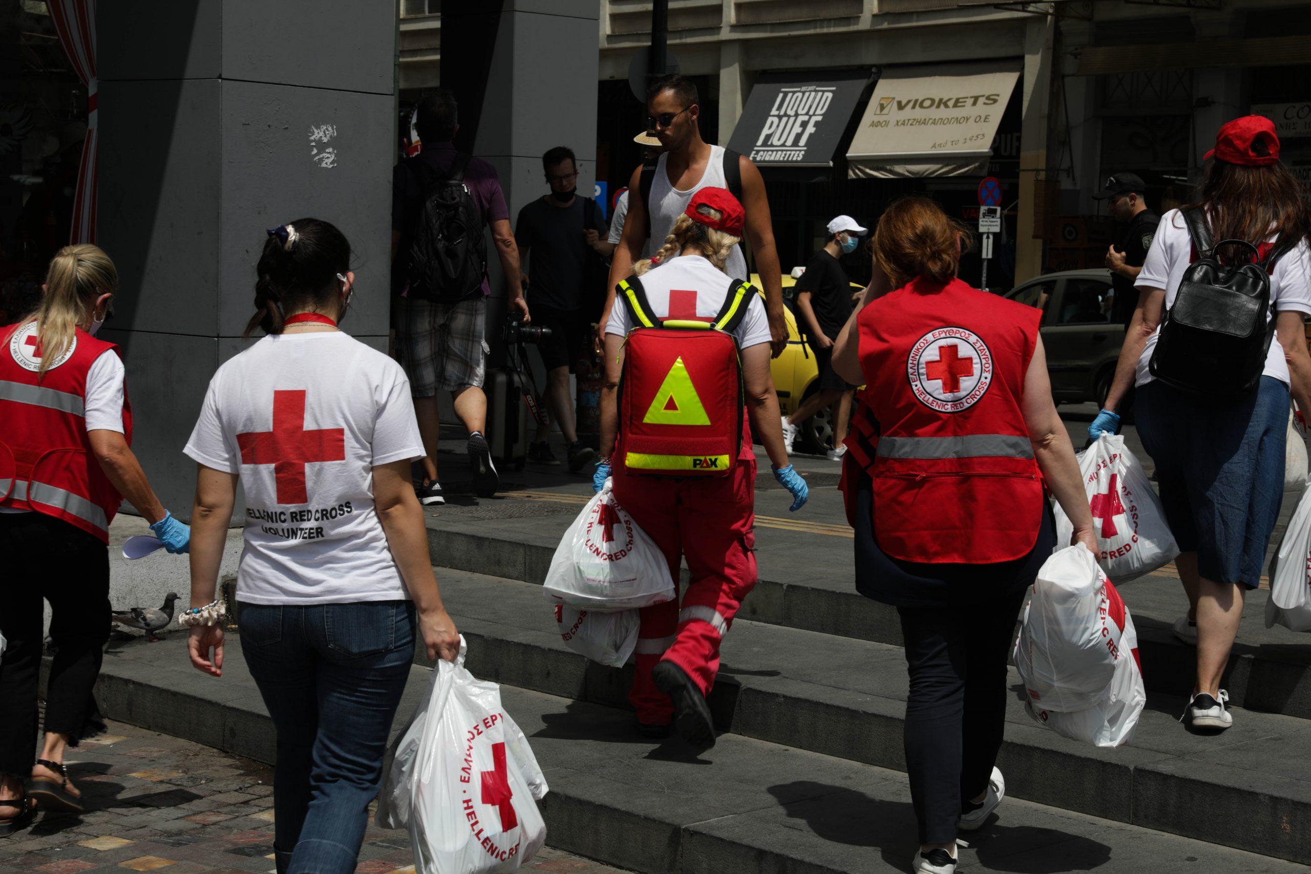 Ο ΕΕΣ συνεχίζει τις δράσεις για την υποστήριξη των αστέγων τις πιο θερμές ημέρες του καλοκαιριού