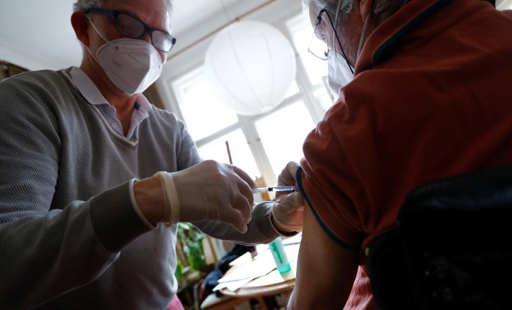 Δήμος Αθηναίων: Εμβολιασμοί κατ΄οίκον για τον ευάλωτο πληθυσμό από 2/8