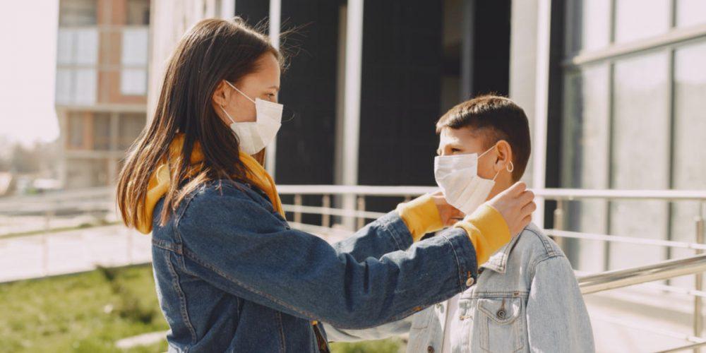 Παρατεινόμενα συμπτώματα της νόσου COVID-19 σε παιδιά και εφήβους