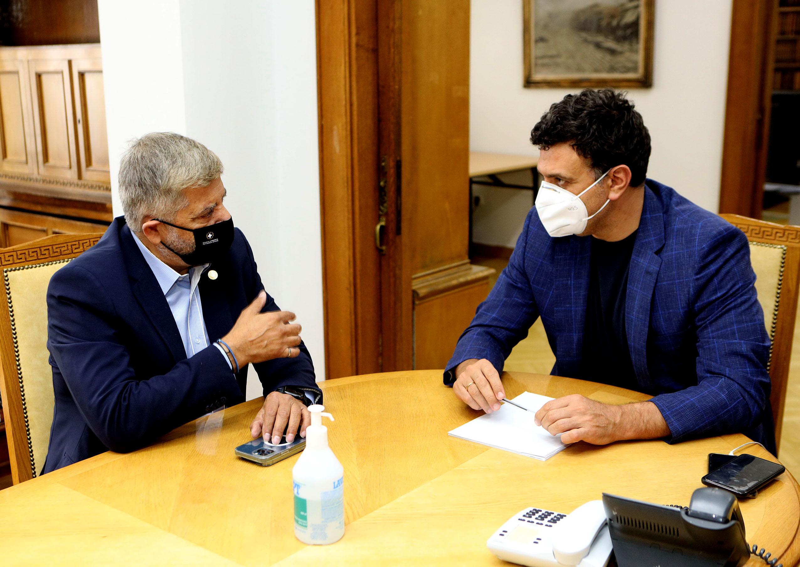 Με αντικείμενο την υγειονομική θωράκιση της Αττικής: Συνάντηση του προέδρου του ΙΣΑ με τον υπουργό Υγείας