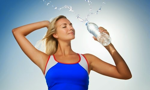 Ενυδάτωση το καλοκαίρι: 12 υπερενυδατικές τροφές που είναι ιδανικές για τις πολύ ζεστές μέρες