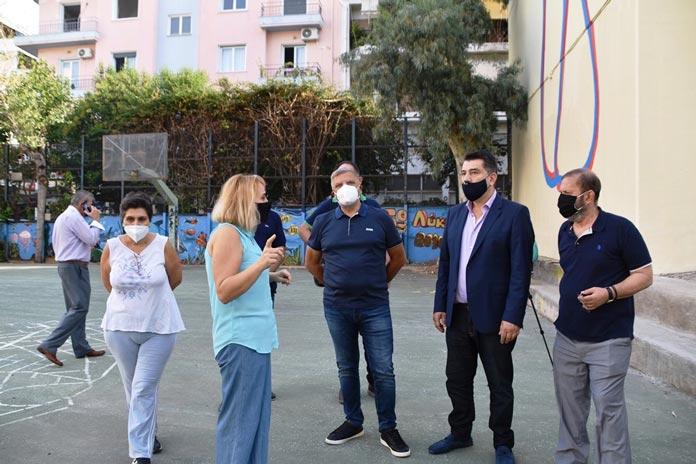 Περιφέρεια Αττικής: Υγειονομικοί έλεγχοι στο 15ο ΓΕΛ Κυψέλης παρουσία Πατούλη