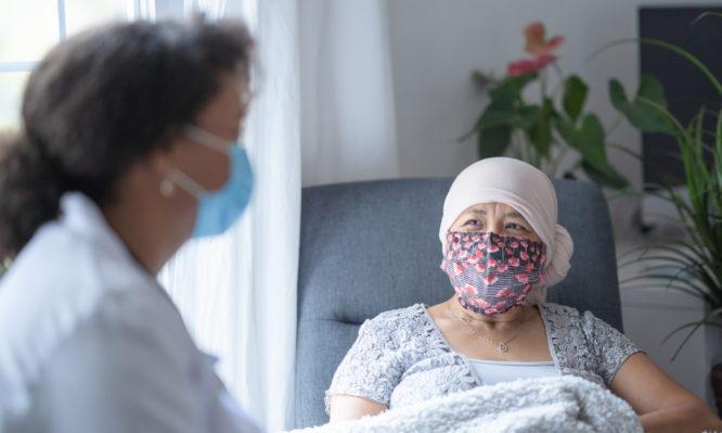 Η ανοσολογική απάντηση μετά από εμβολιασμό κατά του κορωνοϊού σε ασθενείς με καρκίνο και υγιείς εθελοντές