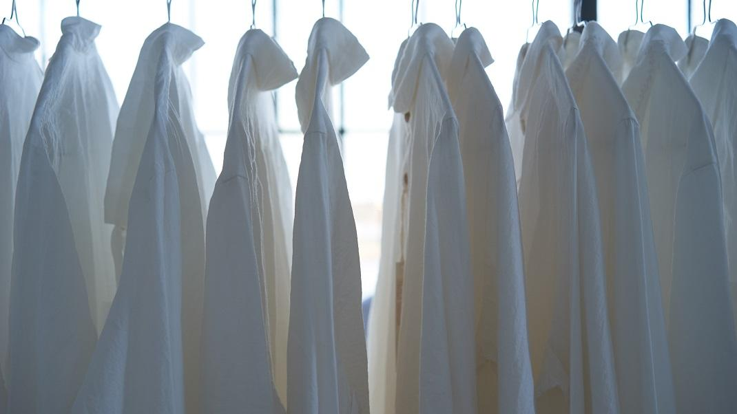 Αυτό το συστατικό από την κουζίνα σας θα διατηρήσει λευκά τα ρούχα σας