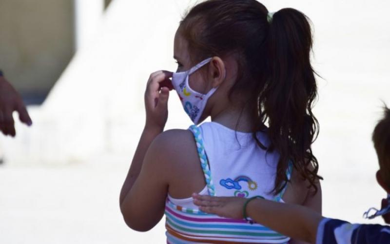 Κορωνοϊός: Ενημέρωση για παιδιά που νοσούν και κλειστά σχολικά τμήματα κάθε Τετάρτη