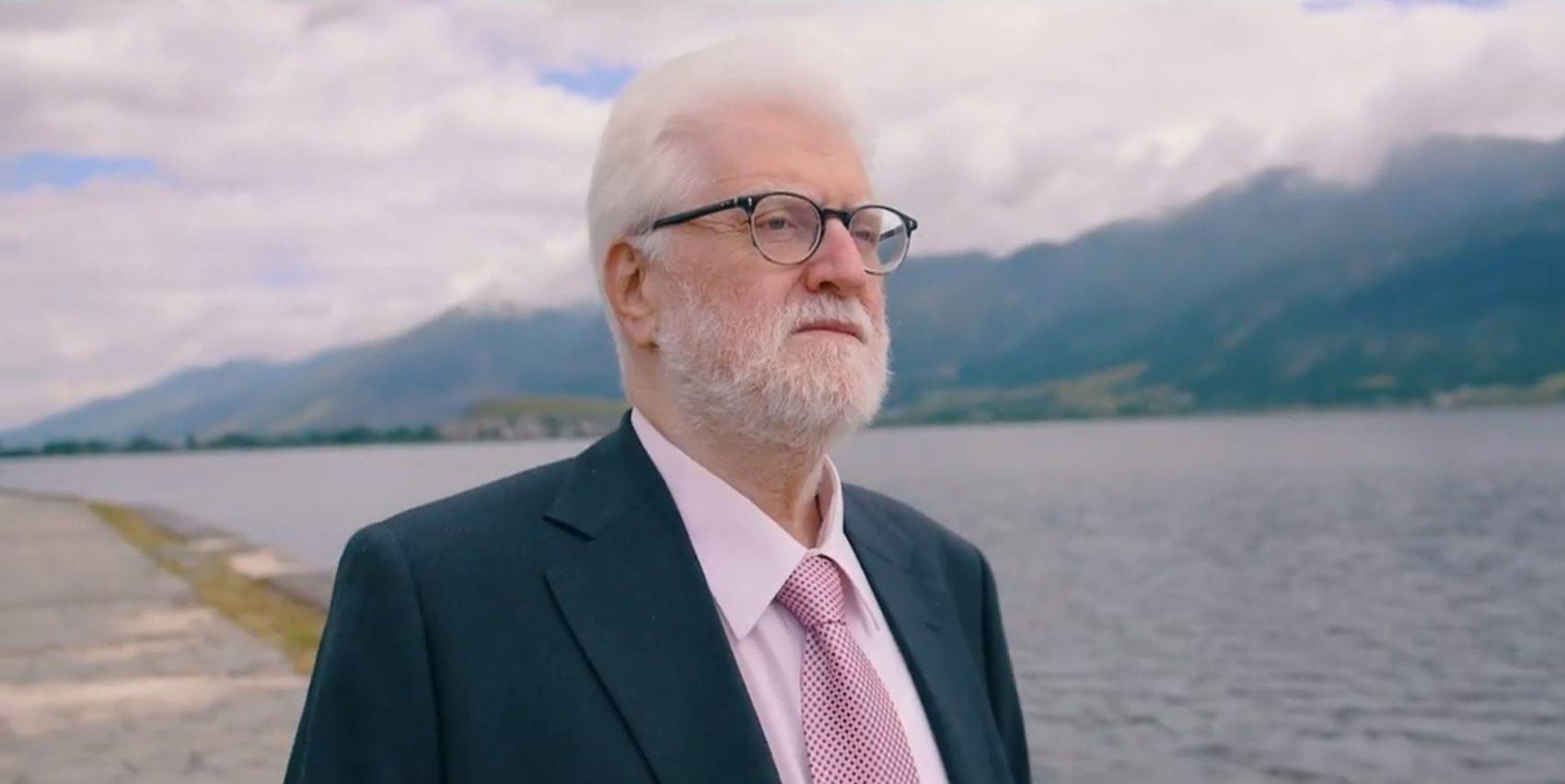 Απονομή του τίτλου του επίτιμου διδάκτορα της Ιατρικής Σχολής του ΕΚΠΑ στον καθηγητή του Πανεπιστημίου Ιωαννίνων και Δήμαρχο Ιωαννίνων κ. Μ. Ελισάφ