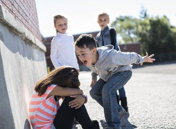 """Εκφοβισμός στο σχολείο: Ανακαλύπτοντας τα """"σημάδια"""""""