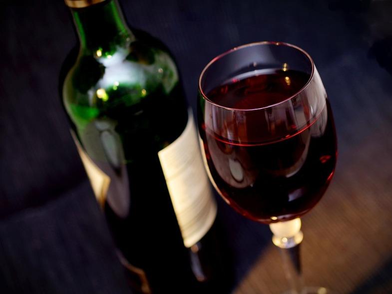 Α. Σπαντιδέας: «Επίσημα στις καρκινογόνες ουσίες το αλκοόλ»